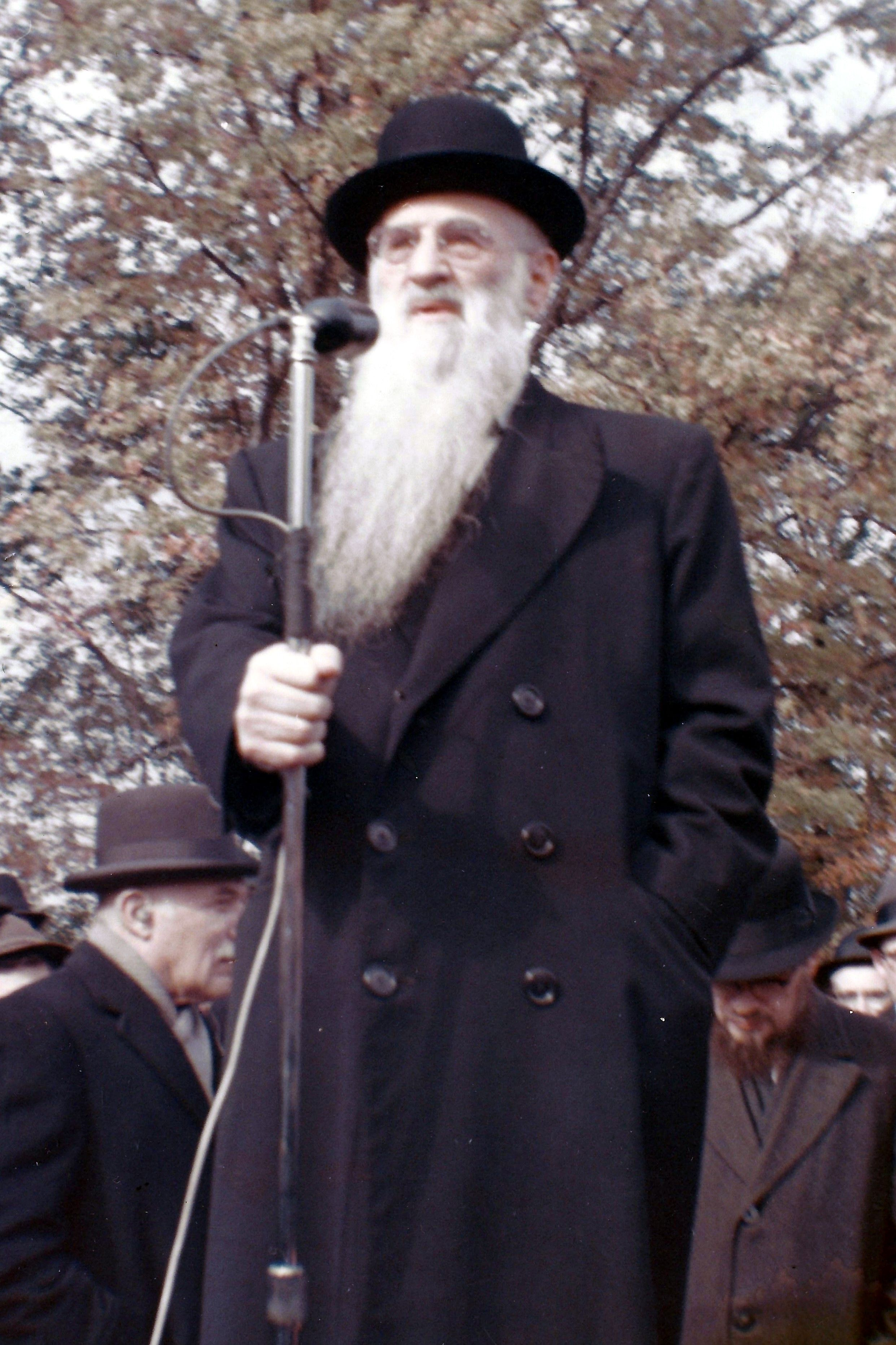 Rav Mottel speaking