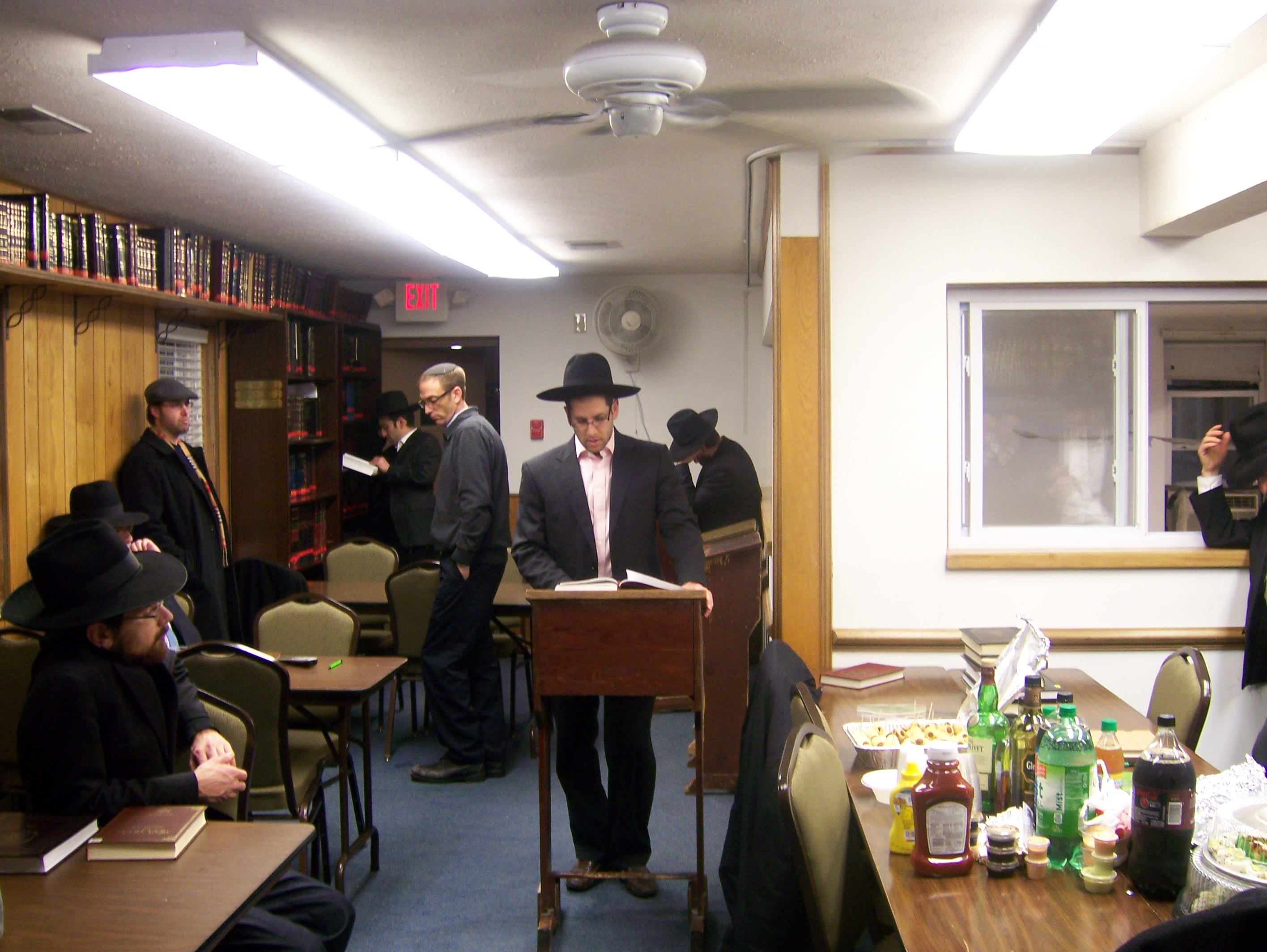 mr-yoram-kahn-making-a-siyum-jpg