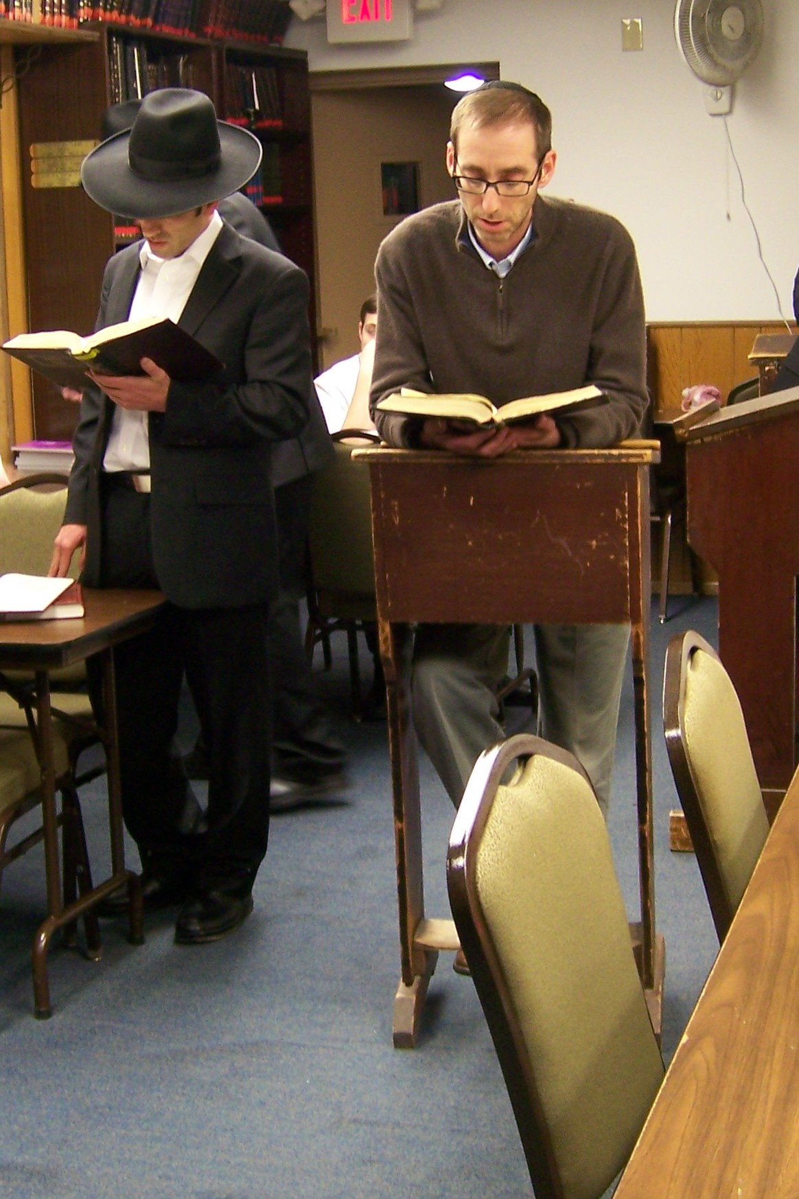 rabbi-mordechai-nadoff-and-dr-howard-goldman-making-a-siyum-on-maseches-makos-jpg